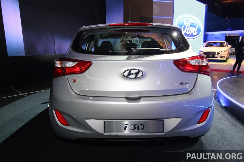 Hyundai i30 hatchback and Veloster Turbo previewed at KLIMS13, both launching in 2014 Image #212602