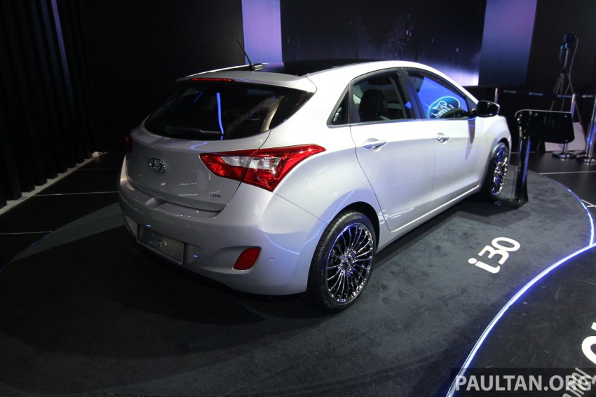 Hyundai i30 hatchback and Veloster Turbo previewed at KLIMS13, both launching in 2014 Image #212590