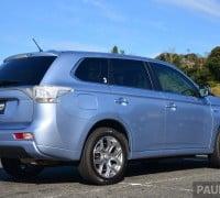 Mitsubishi_Outlander_PHEV_review_ 004