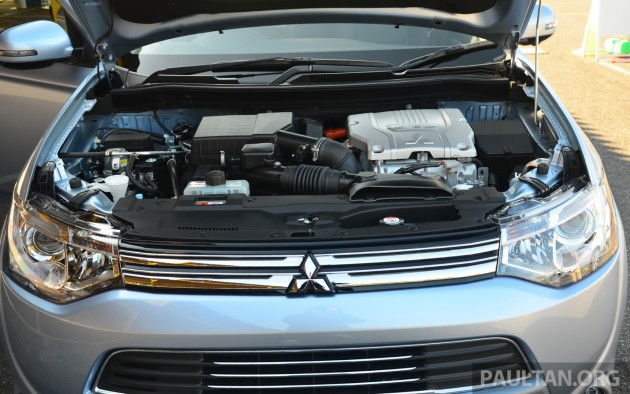 Mitsubishi_Outlander_PHEV_review_ 013