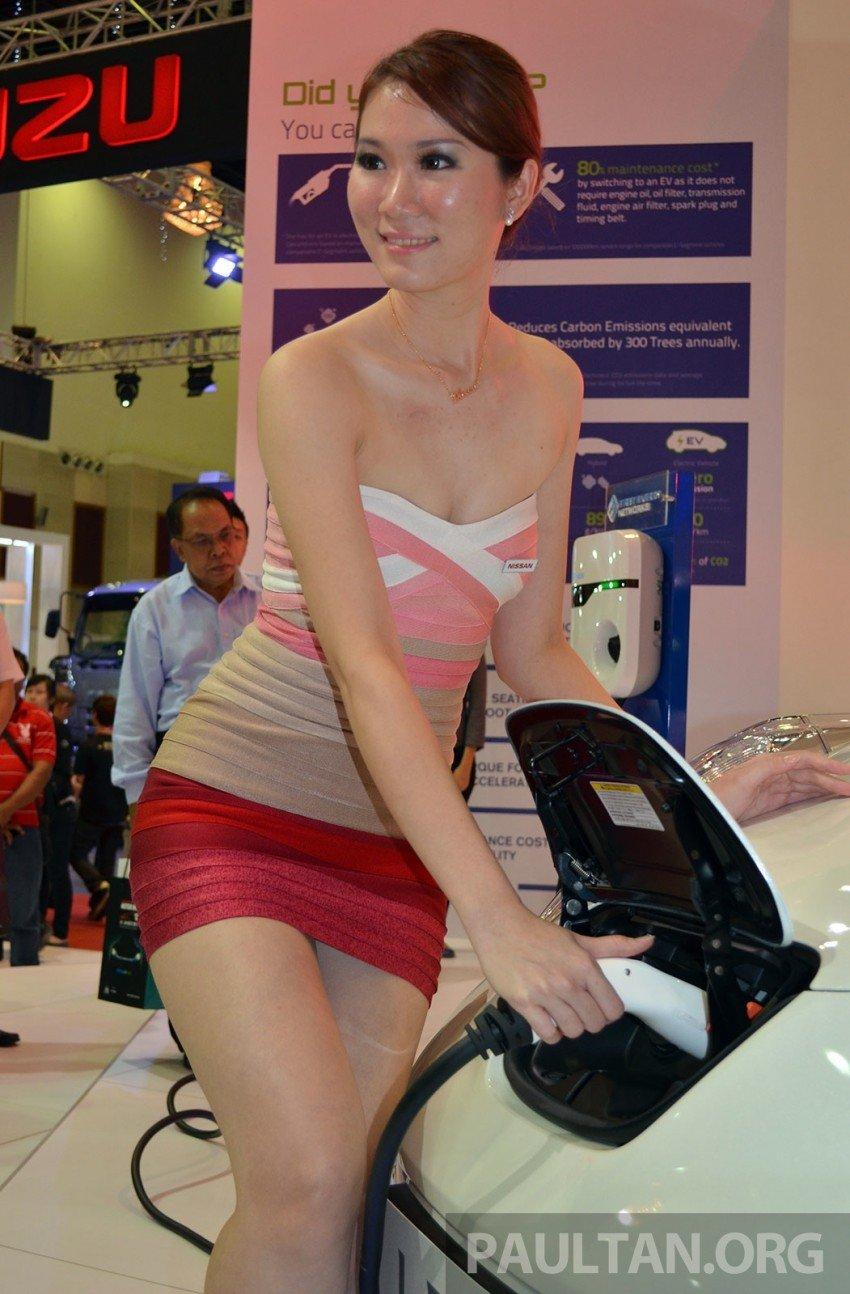 Nissan Leaf launched at KLIMS13, EV goes for RM169k Image #209760