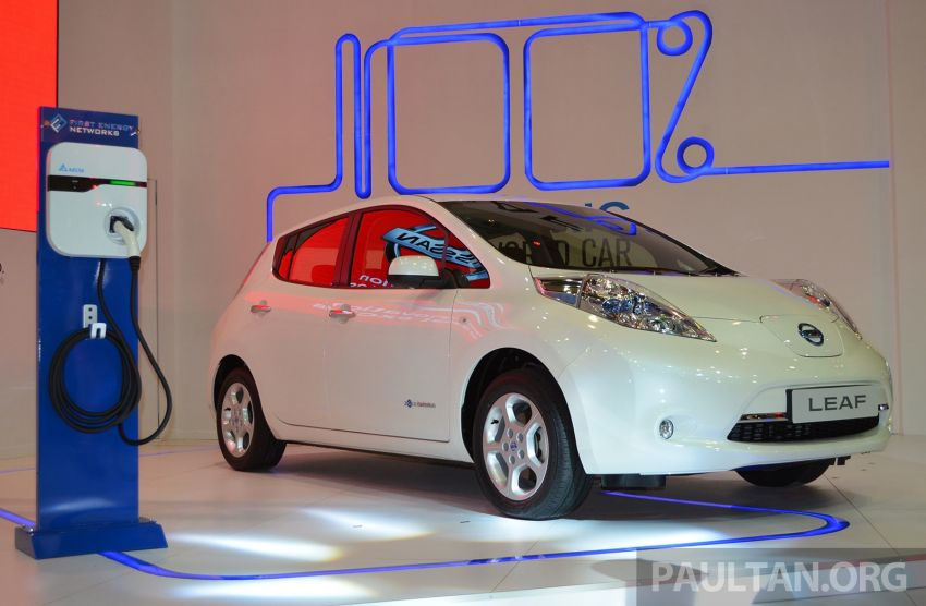 Nissan Leaf launched at KLIMS13, EV goes for RM169k Image #209759