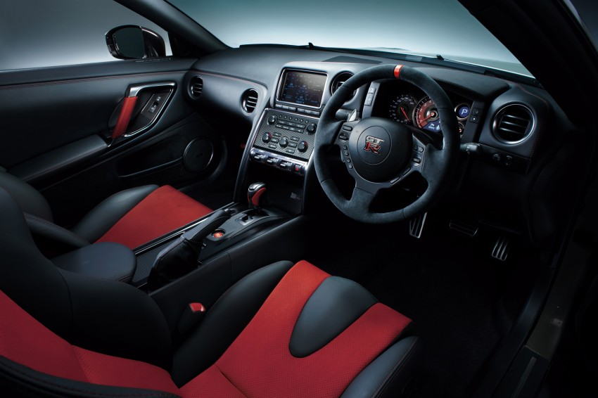 Nissan GT-R Nismo debuts – 600 hp, 7:08 'Ring time Image #211713