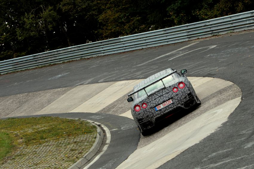 Nissan GT-R Nismo debuts – 600 hp, 7:08 'Ring time Image #211735