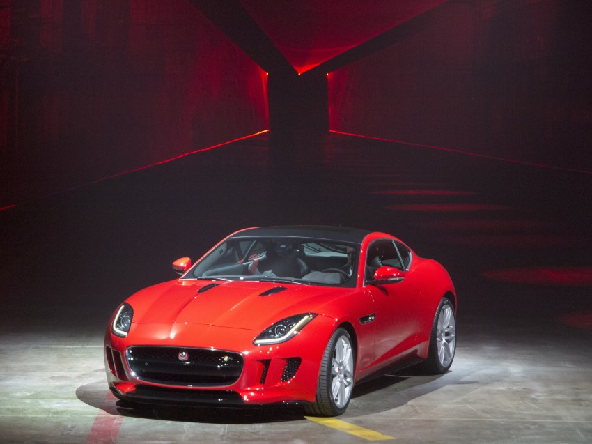 Tokyo 2013: Jaguar F-Type Coupe debuts, gets 550 PS Image #213479