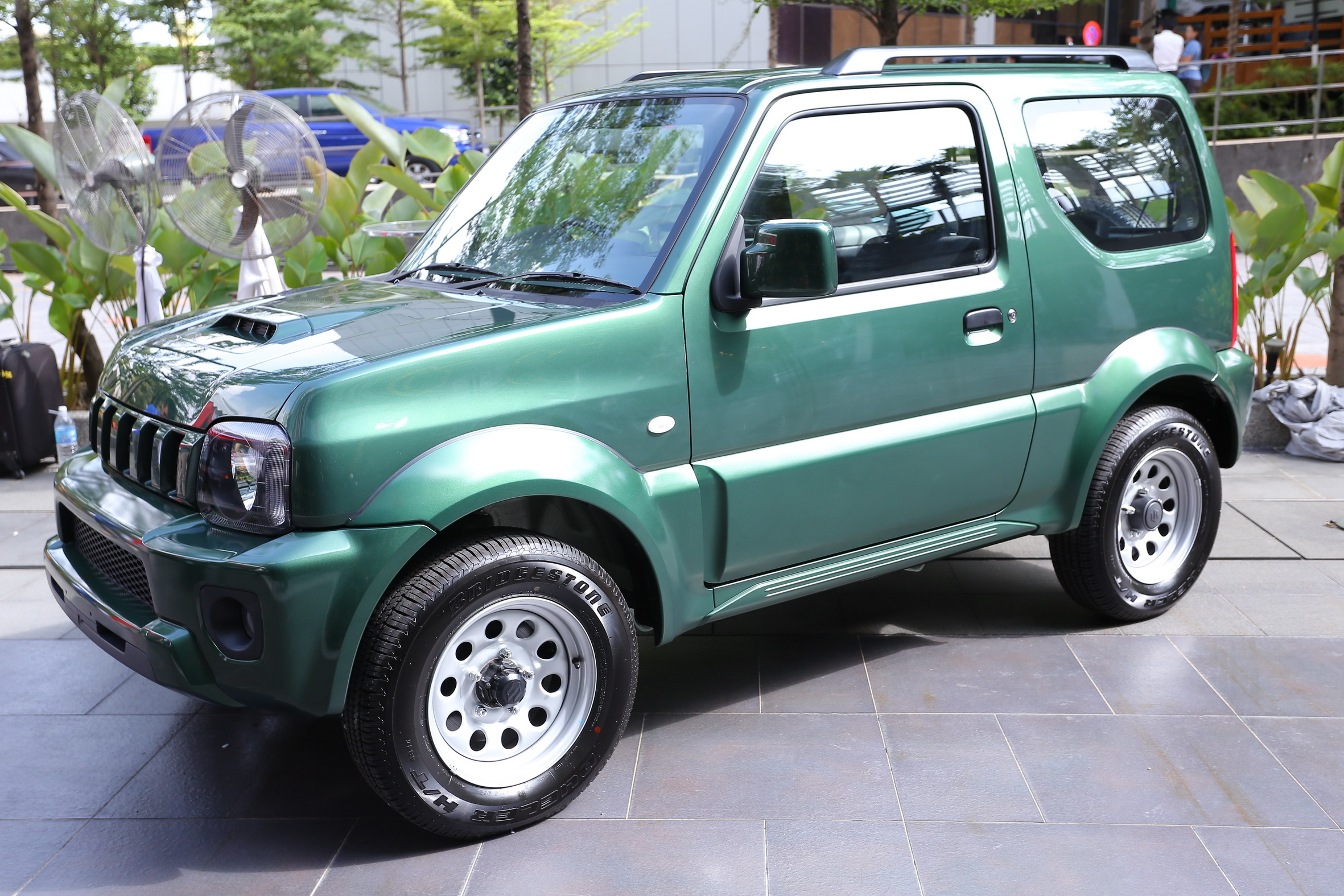 suzuki jimny launched in malaysia rm87k 92k image 209474. Black Bedroom Furniture Sets. Home Design Ideas
