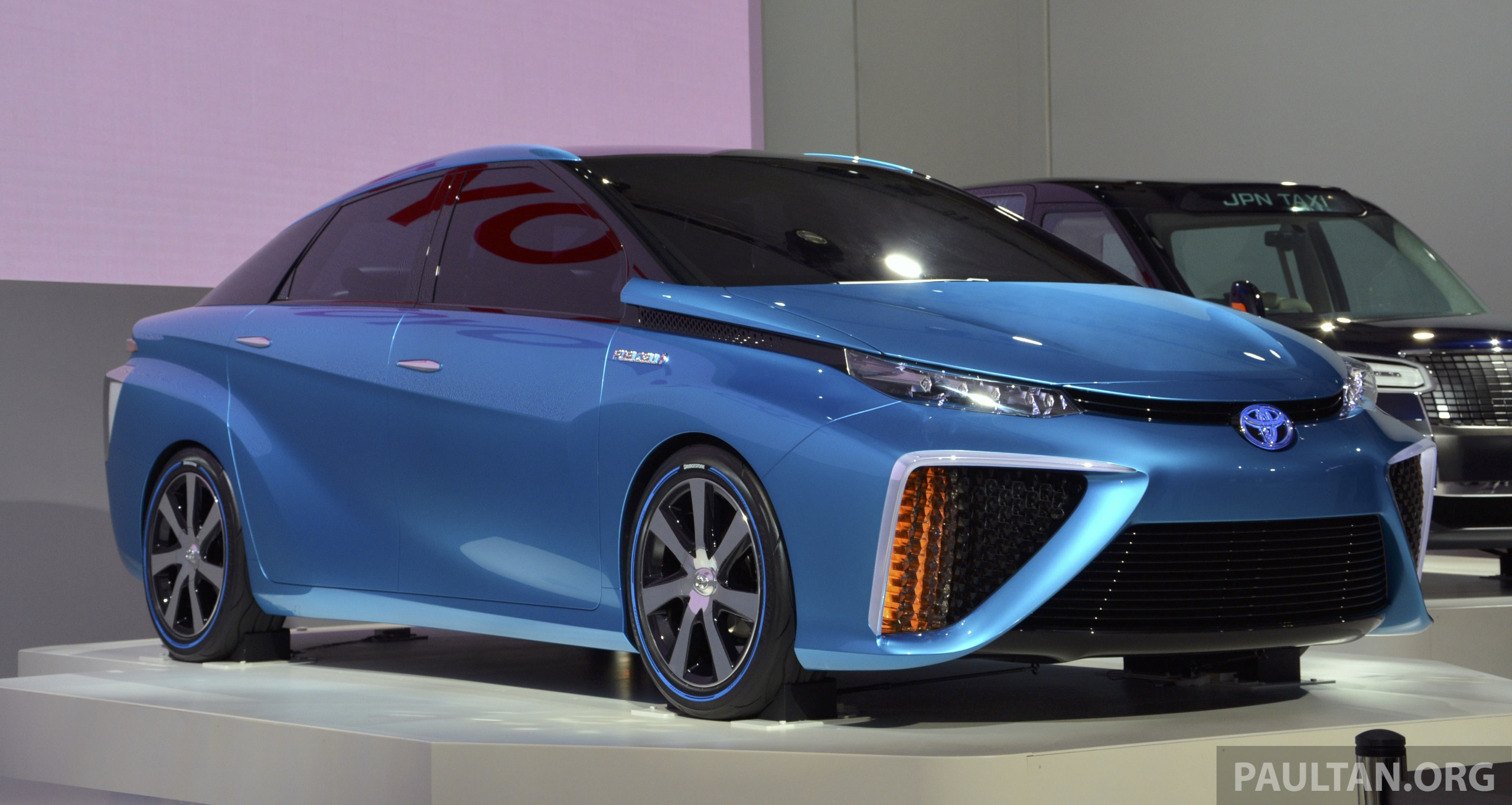 Tokyo 2013 Toyota Fcv Concept Arrives In 2015 Paul Tan