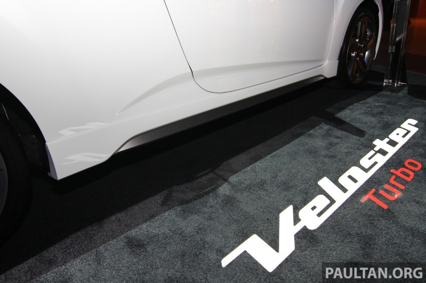 Hyundai i30 hatchback and Veloster Turbo previewed at KLIMS13, both launching in 2014 Image #212621