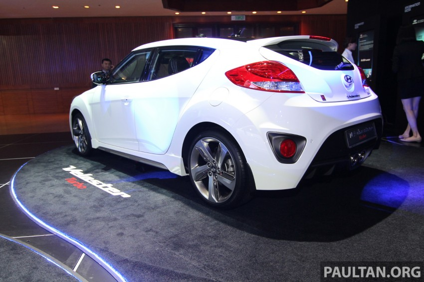 Hyundai i30 hatchback and Veloster Turbo previewed at KLIMS13, both launching in 2014 Image #212615