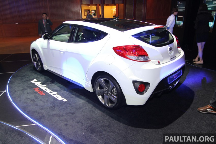 Hyundai i30 hatchback and Veloster Turbo previewed at KLIMS13, both launching in 2014 Image #212616