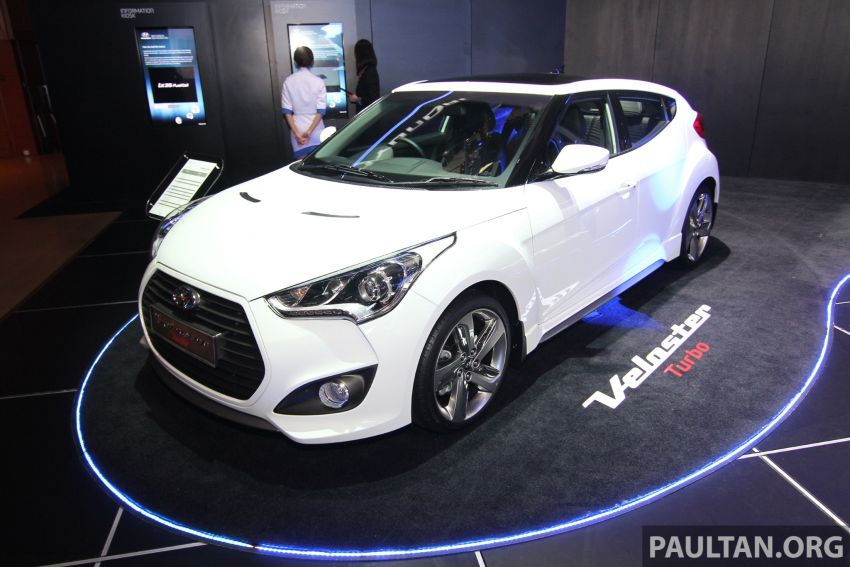 Hyundai i30 hatchback and Veloster Turbo previewed at KLIMS13, both launching in 2014 Image #212611