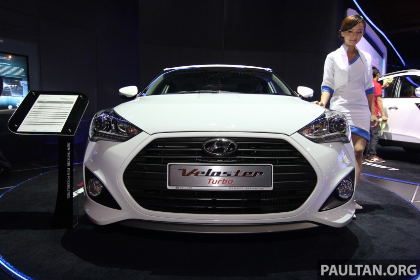 Hyundai i30 hatchback and Veloster Turbo previewed at KLIMS13, both launching in 2014 Image #212628