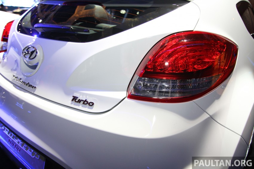 Hyundai i30 hatchback and Veloster Turbo previewed at KLIMS13, both launching in 2014 Image #212627