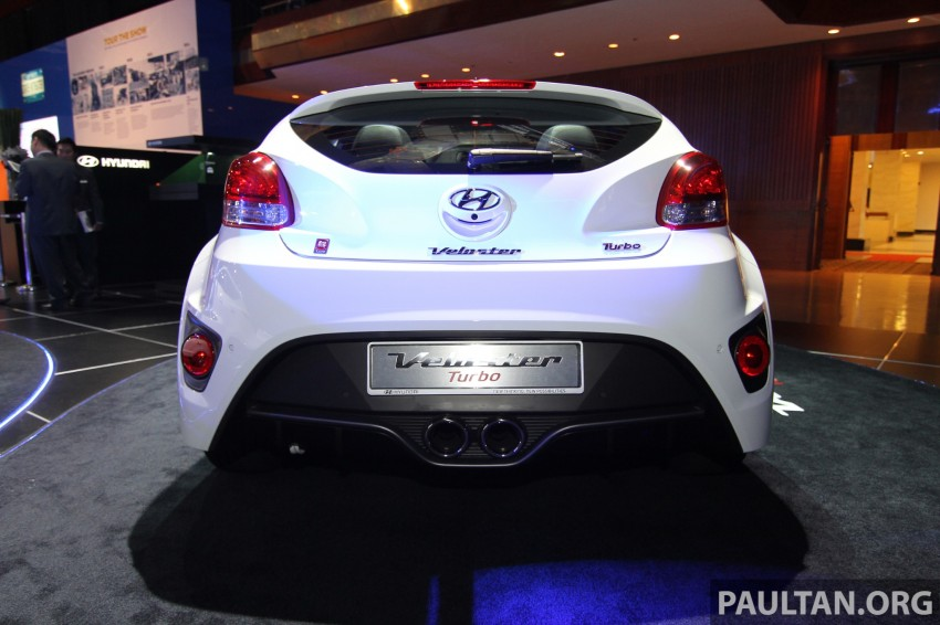 Hyundai i30 hatchback and Veloster Turbo previewed at KLIMS13, both launching in 2014 Image #212623