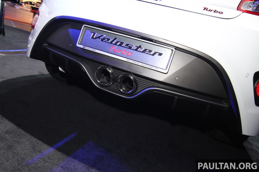 Hyundai i30 hatchback and Veloster Turbo previewed at KLIMS13, both launching in 2014 Image #212624