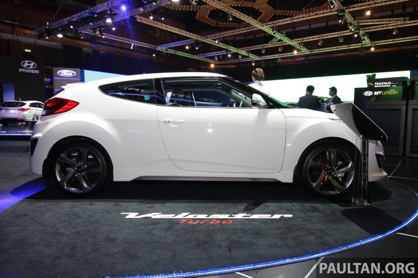 Hyundai i30 hatchback and Veloster Turbo previewed at KLIMS13, both launching in 2014 Image #212625