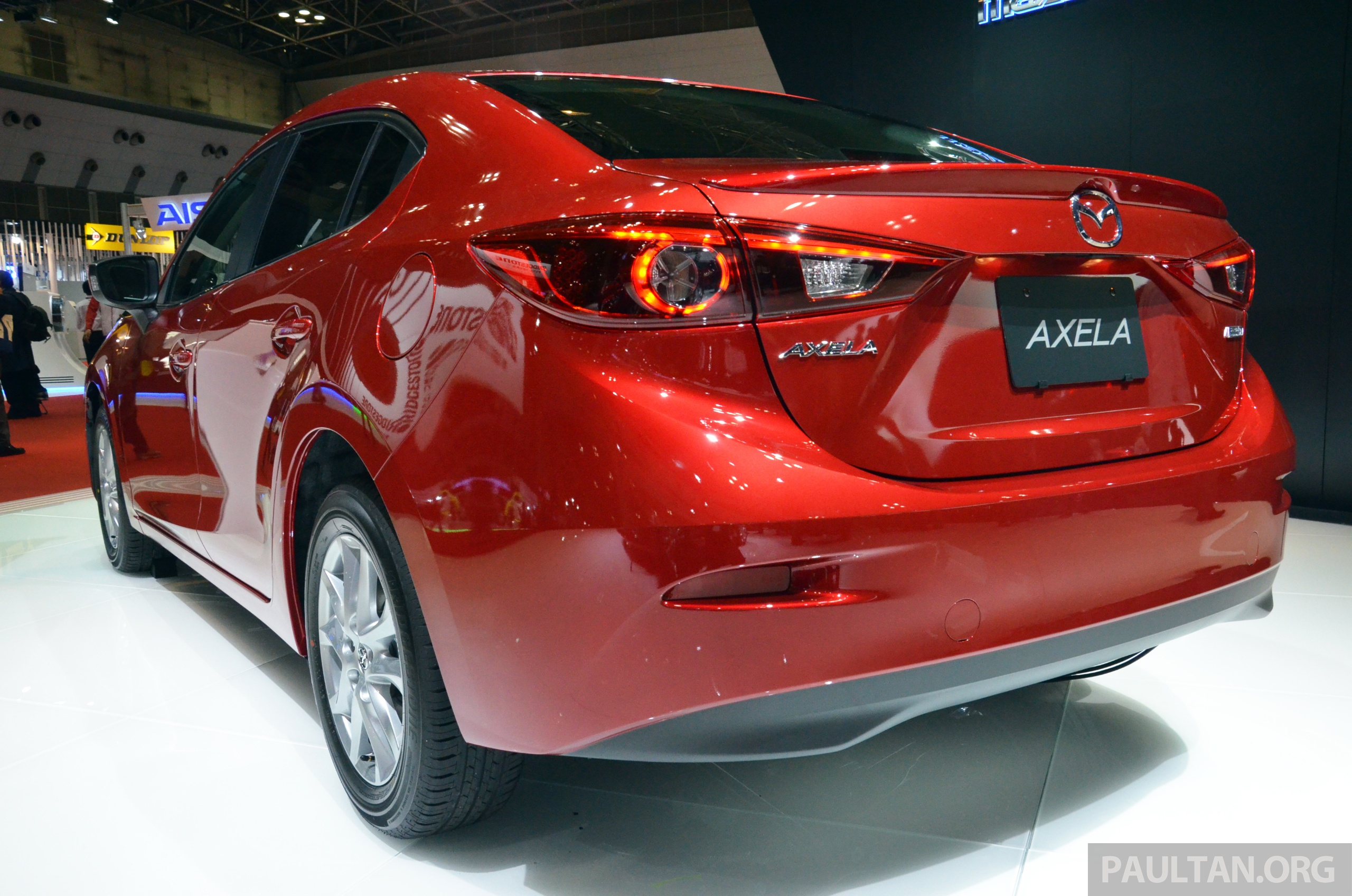 tokyo 2013 mazda3 skyactiv cng concept makes world debut. Black Bedroom Furniture Sets. Home Design Ideas