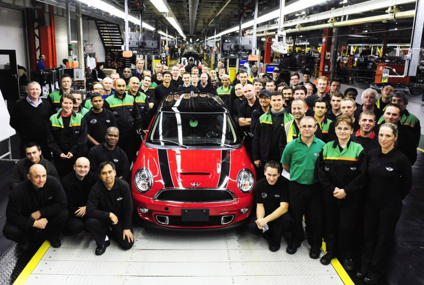 Last R56 MINI Hatch rolls out of Plant Oxford Image #214598
