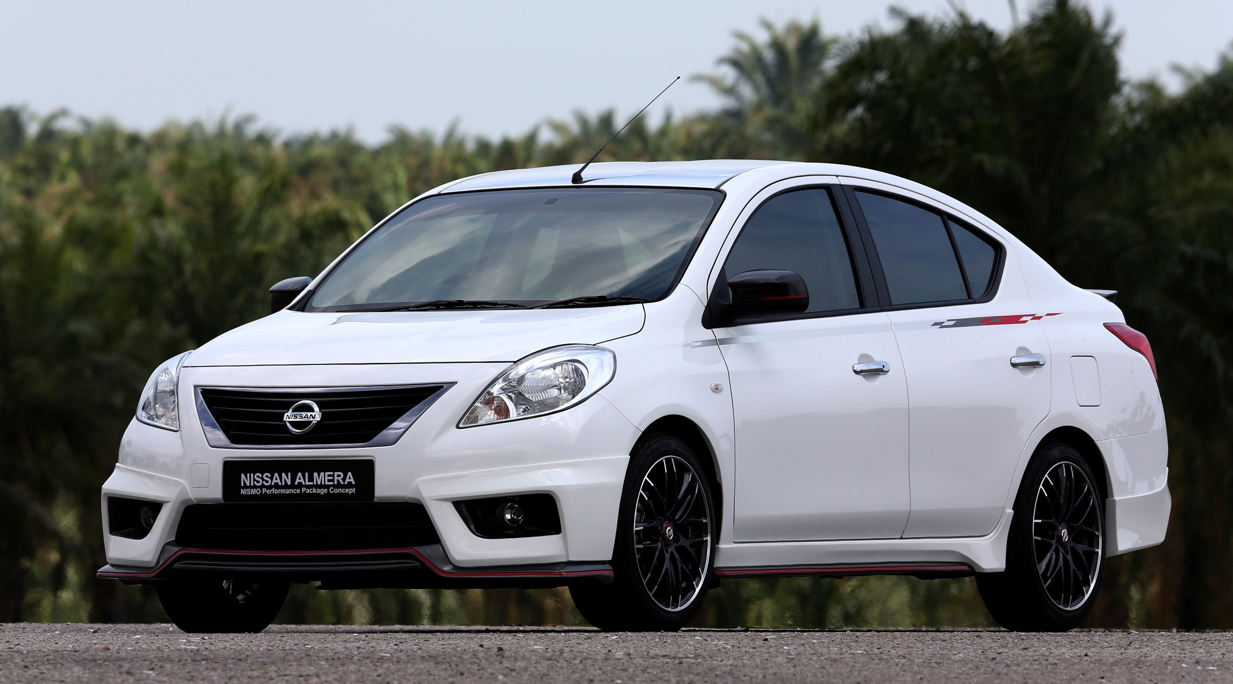 nissan note to be shown at klims13 production almera nismo performance package to debut image. Black Bedroom Furniture Sets. Home Design Ideas