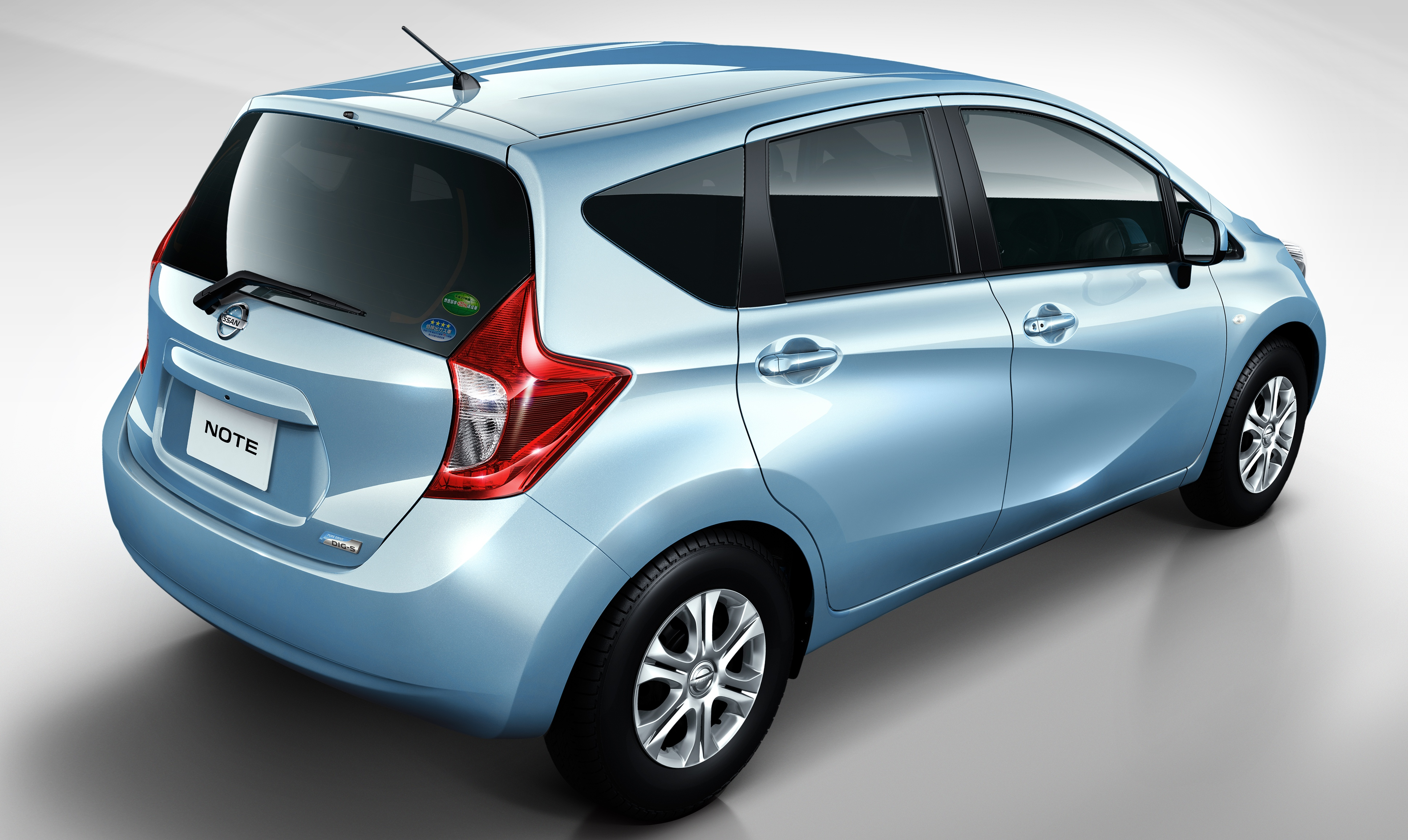 nissan note to be shown at klims13 production almera nismo performance package to debut