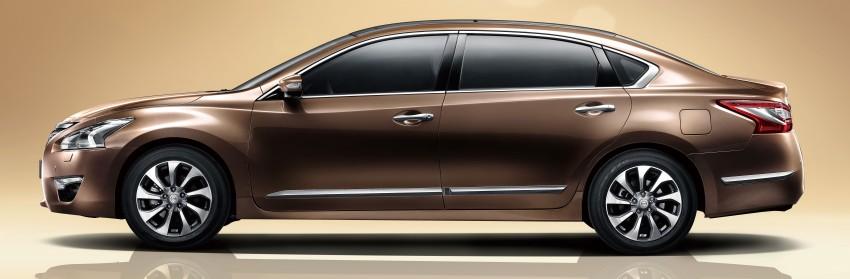 Guangzhou 2013: Nissan Teana VIP long wheelbase Image #213015