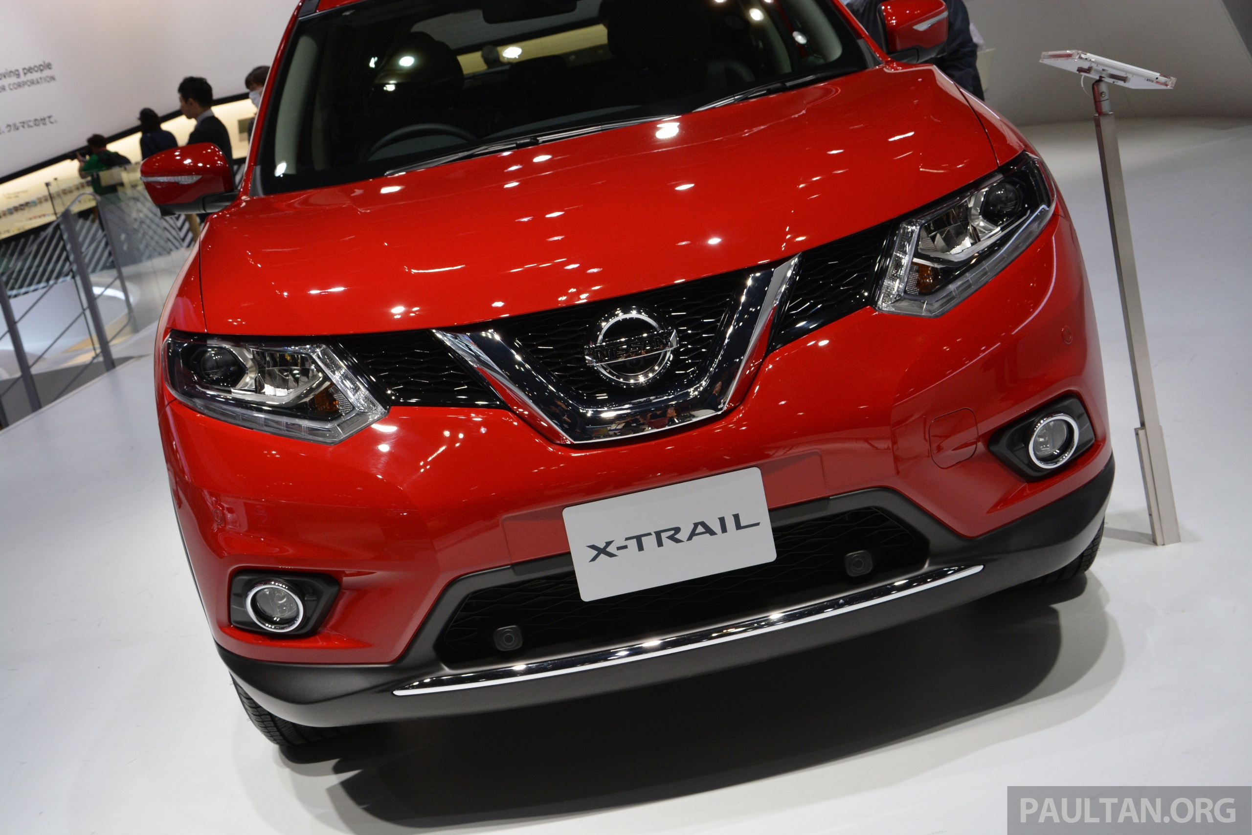 tokyo 2013 new nissan x trail to go on sale in japan in dec. Black Bedroom Furniture Sets. Home Design Ideas