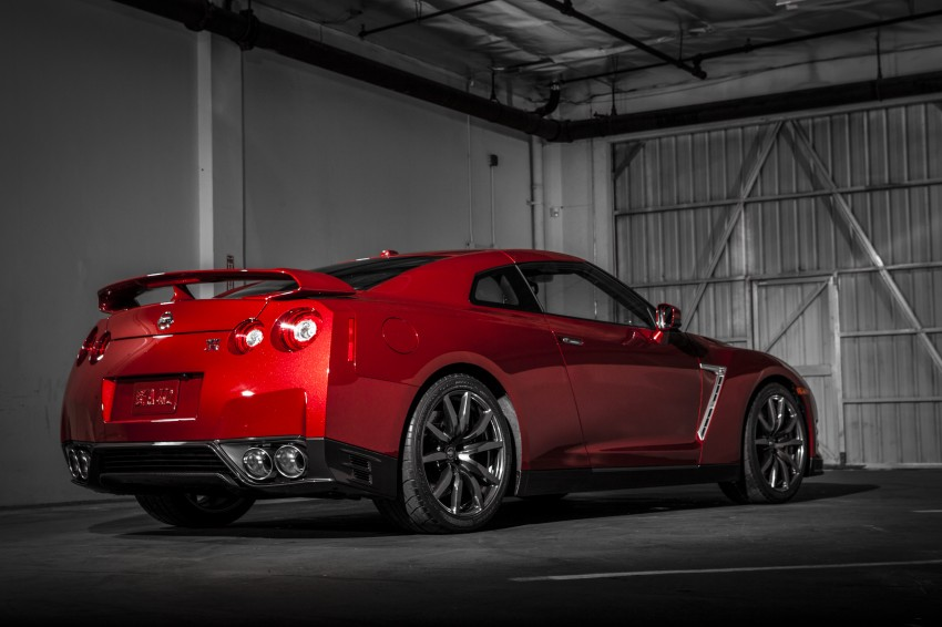 2014 Nissan GT-R facelift unveiled in Tokyo with updated suspension and looks Image #212265