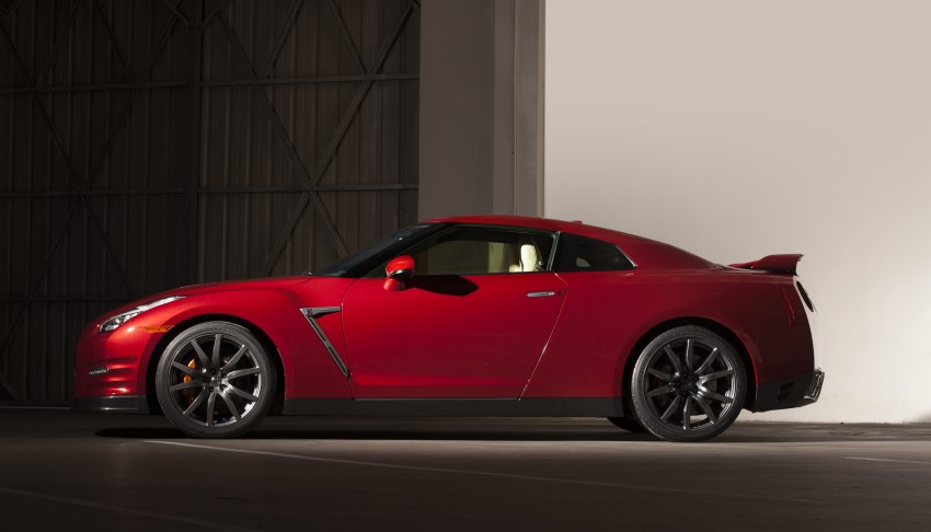 2014 Nissan GT-R facelift unveiled in Tokyo with updated suspension and looks Image #212271