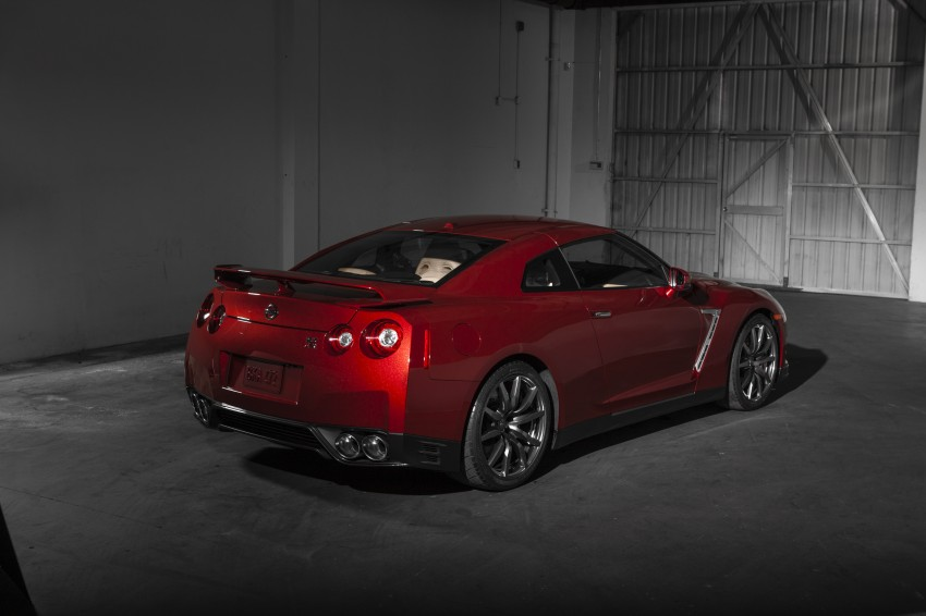 2014 Nissan GT-R facelift unveiled in Tokyo with updated suspension and looks Image #212272