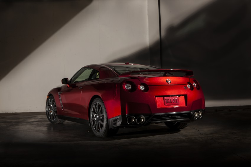 2014 Nissan GT-R facelift unveiled in Tokyo with updated suspension and looks Image #212273