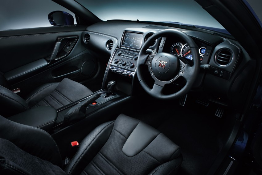 2014 Nissan GT-R facelift unveiled in Tokyo with updated suspension and looks Image #212302