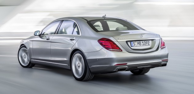 W222 mercedes benz s400 hybrid spotted in malaysia for Mercedes benz s400 price