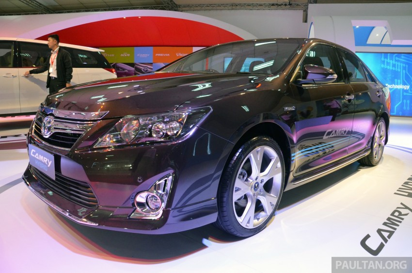 Toyota Camry Hybrid previewed at KLIMS13 Image #209611