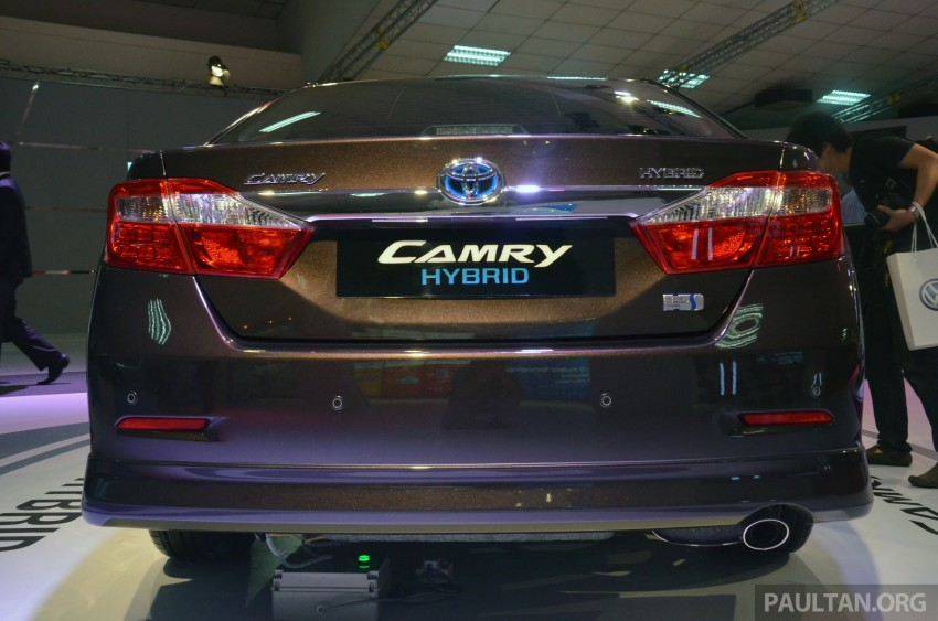 Toyota Camry Hybrid previewed at KLIMS13 Image #209617