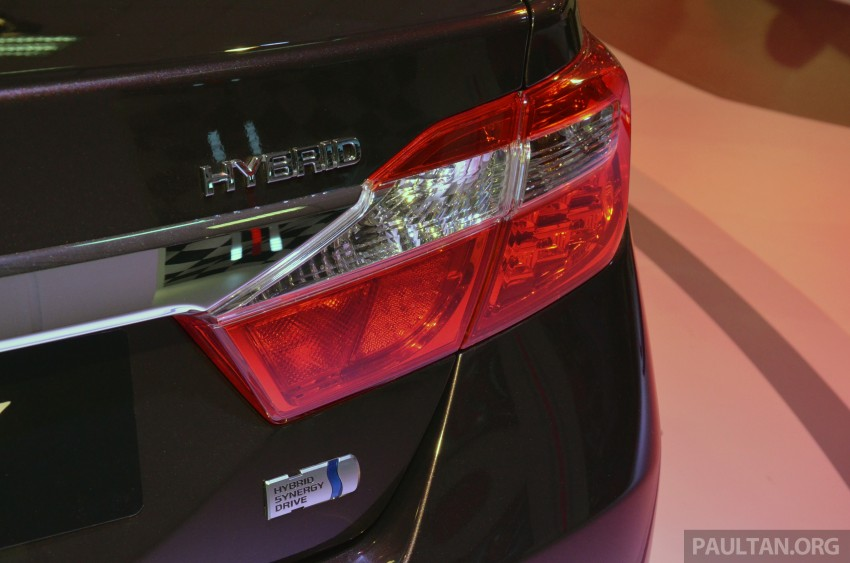Toyota Camry Hybrid previewed at KLIMS13 Image #209618