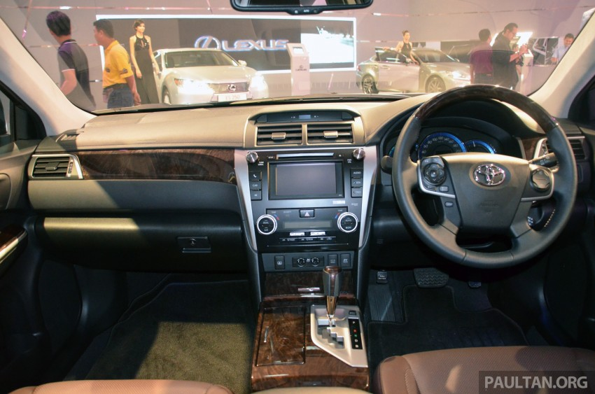 Toyota Camry Hybrid previewed at KLIMS13 Image #209624