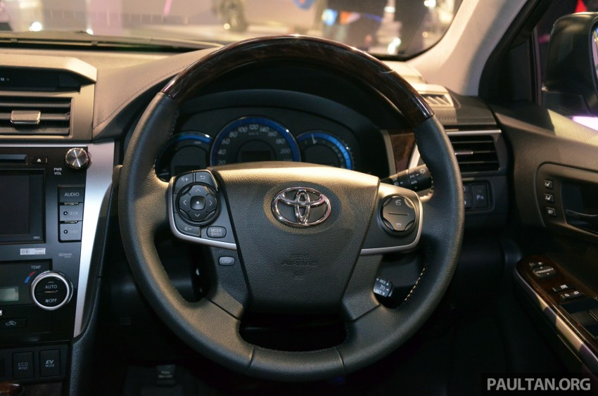 Toyota Camry Hybrid previewed at KLIMS13 Image #209625