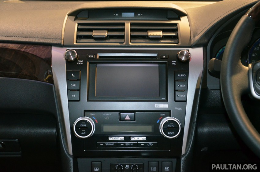Toyota Camry Hybrid previewed at KLIMS13 Image #209626