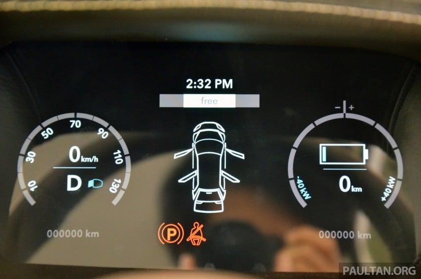 Tokyo 2013: Tum Create EVA, the S'porean EV taxi Image #213680