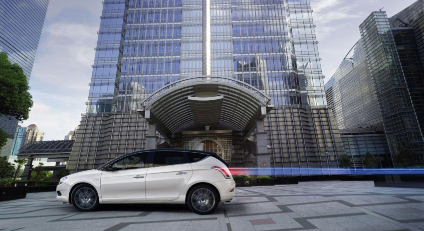 2014 Lancia Delta unveiled – new trim for the new year Image #219389