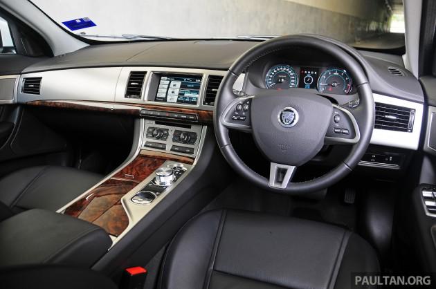 Driven_Jaguar_XF_2.0_Ti_review_ 030