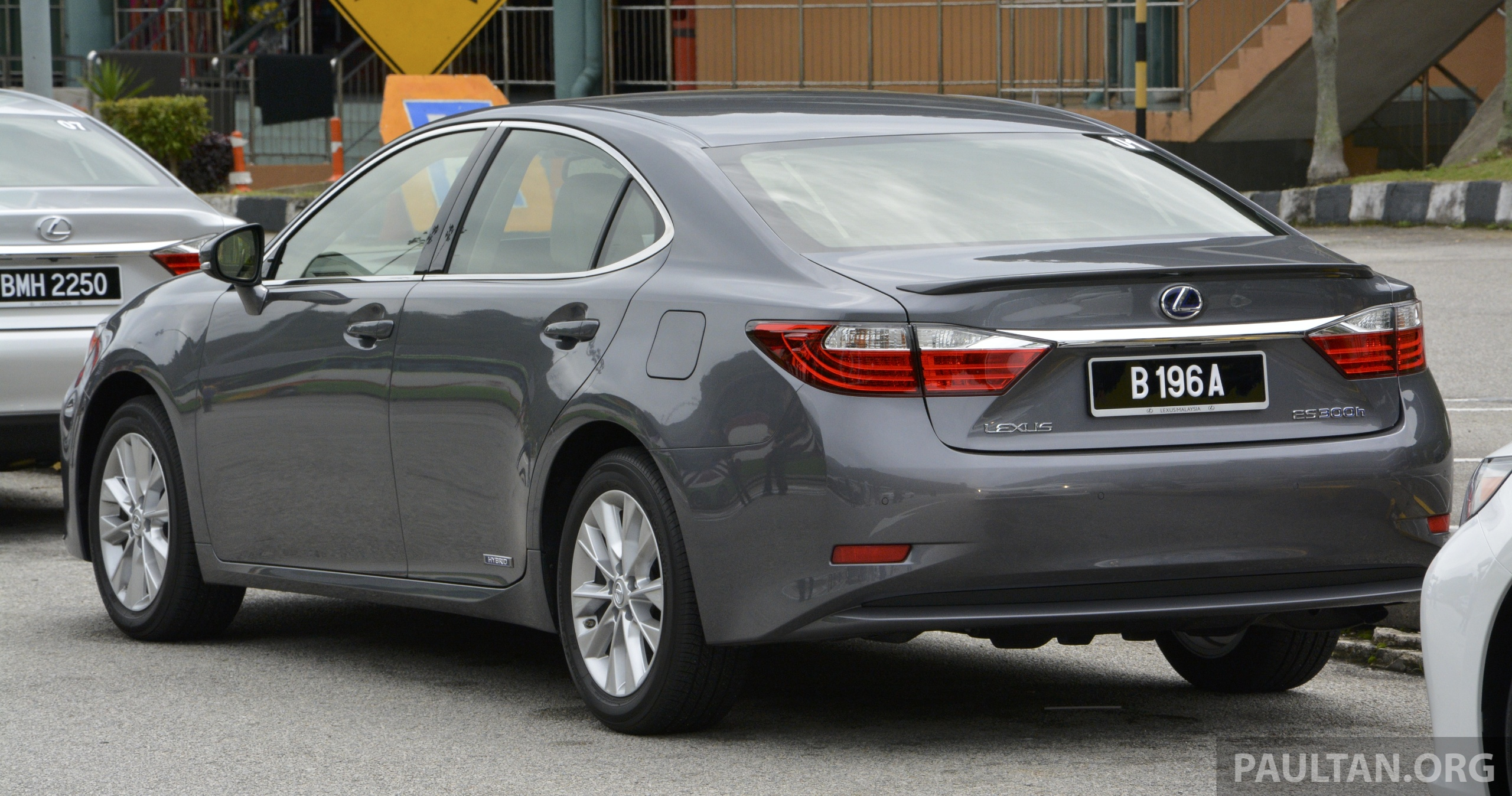 Driven 2013 Lexus Es 250 And 300h Sampled Image 219424