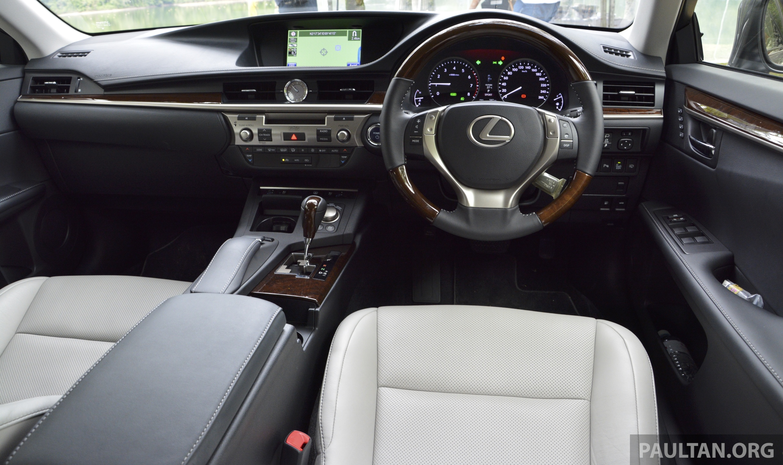 The interior naturally places emphasis on luxury the dashboard fascia offers all the flavour of the gs without the latter s ticket price