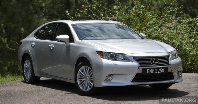 Lexus ES 250 and 300h 34