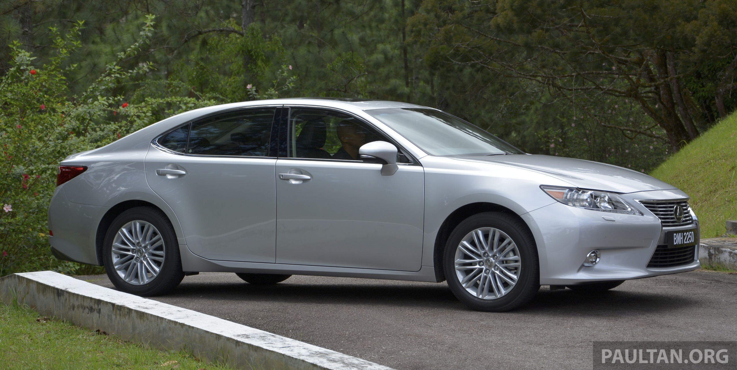 Malaysian Review 2013 Lexus Es250 And Es300h Sampled