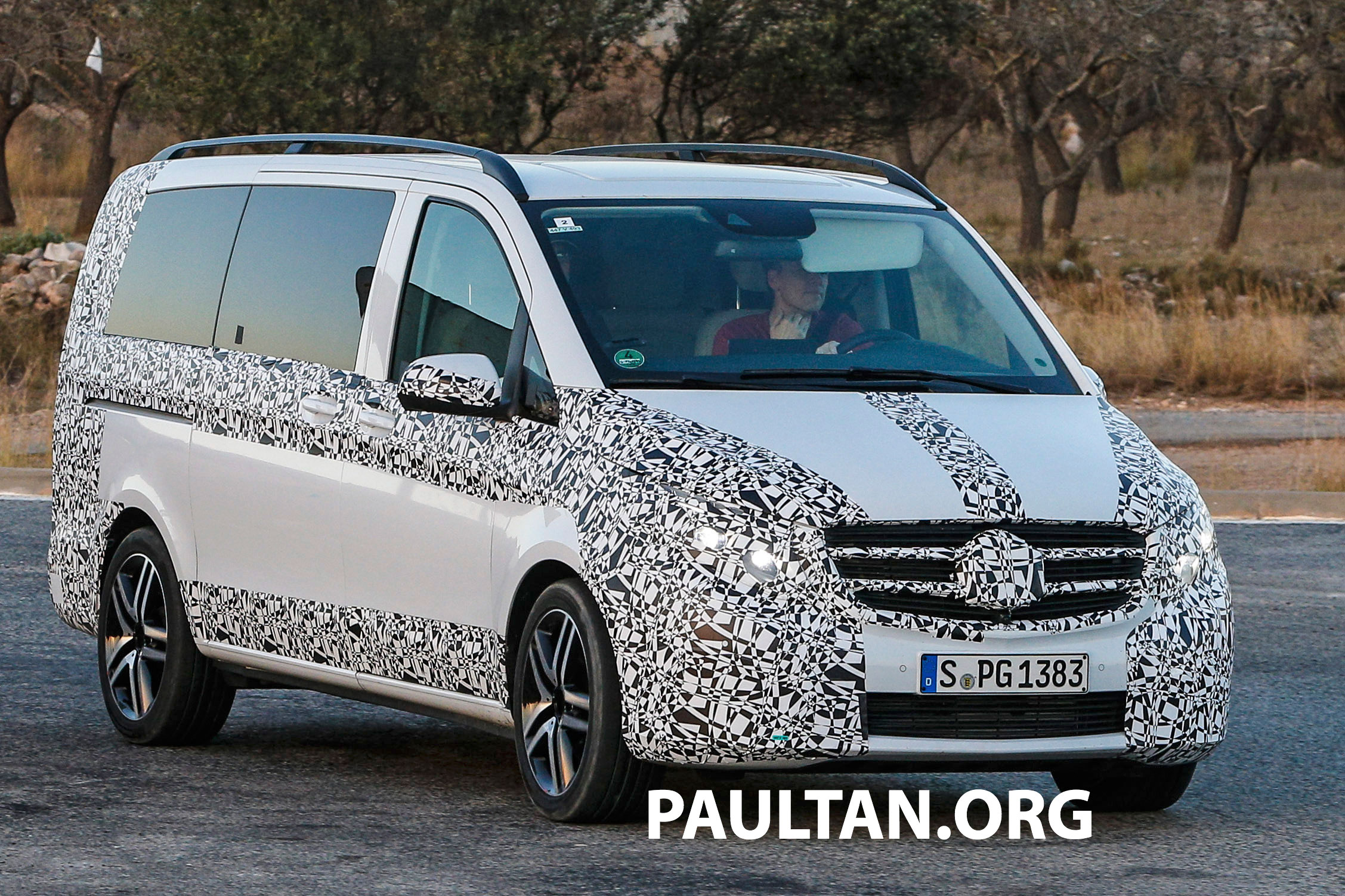 w447 mercedes benz v class viano sighted on test. Black Bedroom Furniture Sets. Home Design Ideas