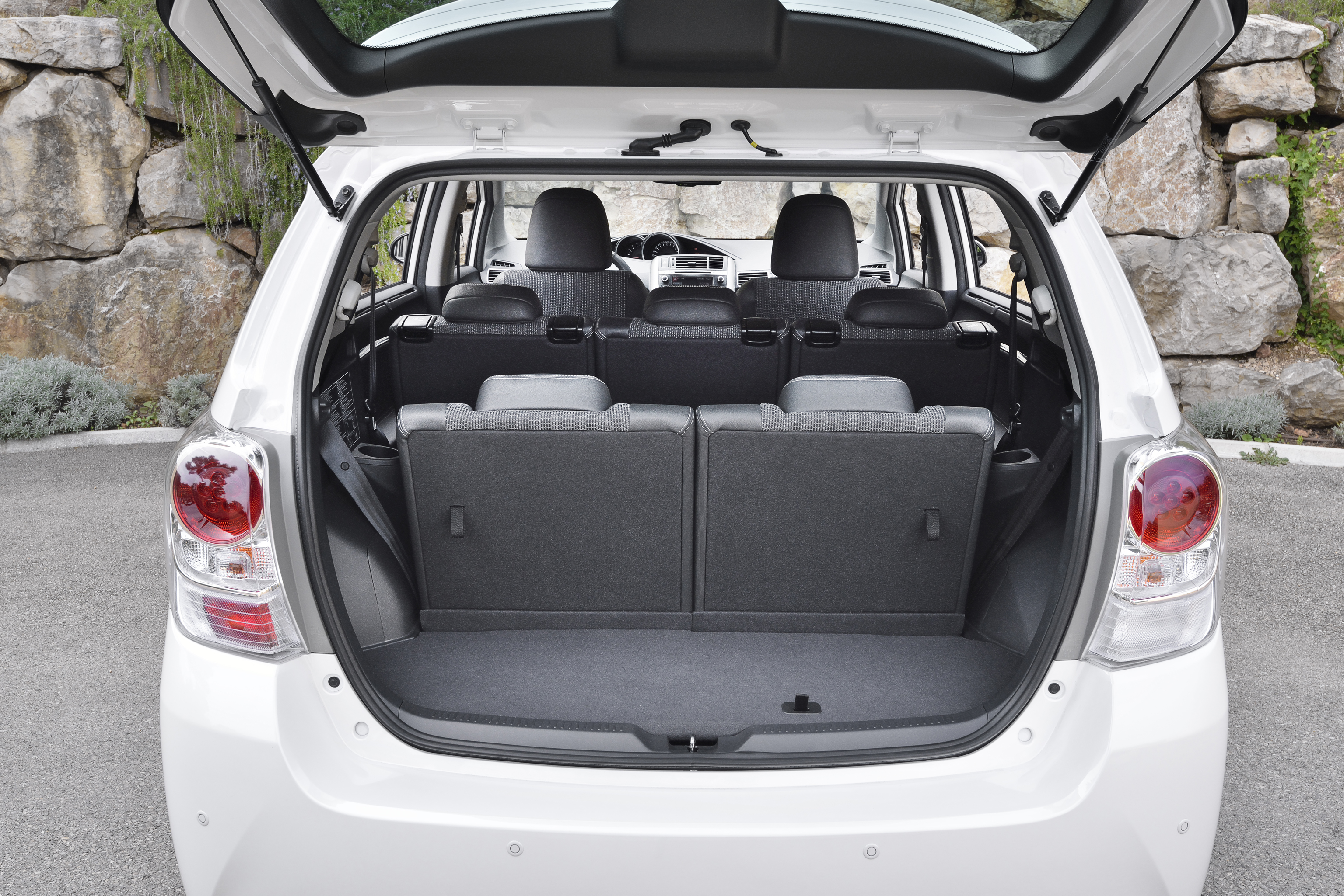 2014 toyota verso offers bmw sourced 1 6l diesel image 217929. Black Bedroom Furniture Sets. Home Design Ideas