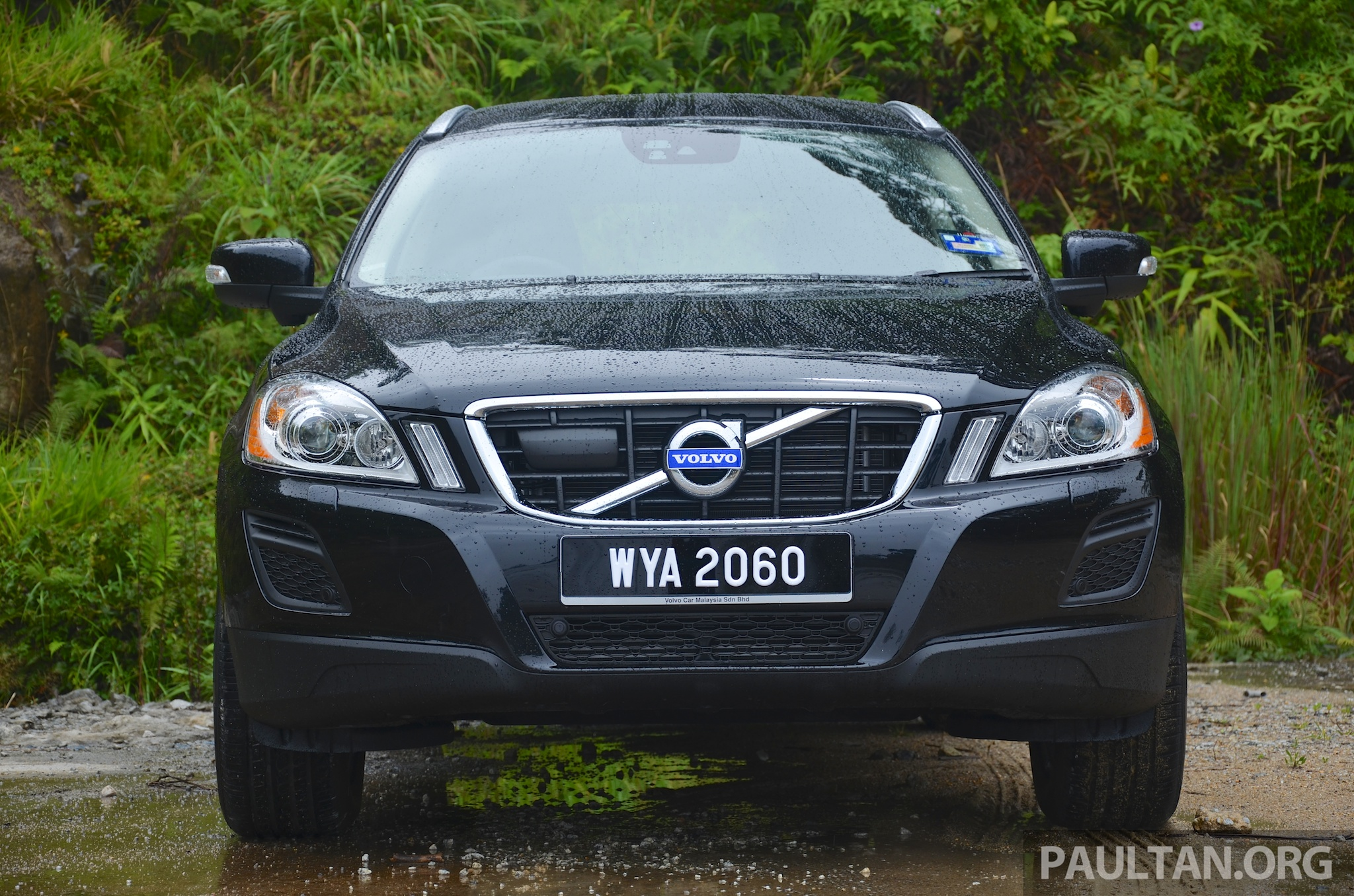 driven volvo xc60 t5 2 0 turbo power. Black Bedroom Furniture Sets. Home Design Ideas
