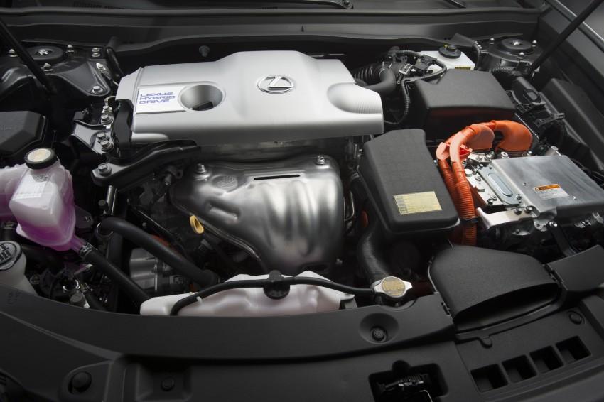 Lexus ES sheds dowdy image, follows the GS' lead Image #122484