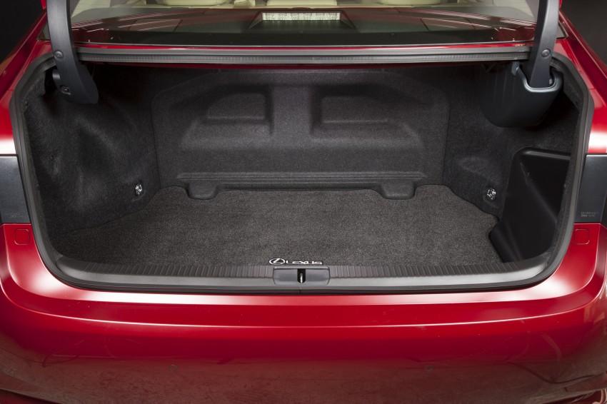 Lexus ES sheds dowdy image, follows the GS' lead Image #122482
